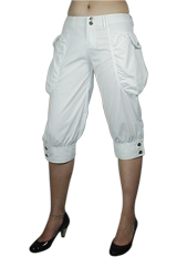 Low-Rise Leg Pocket Capri Pants