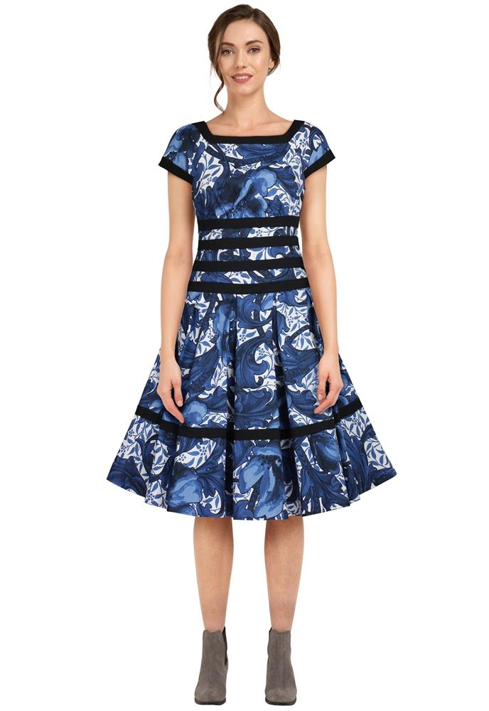 8282/8283 Dress